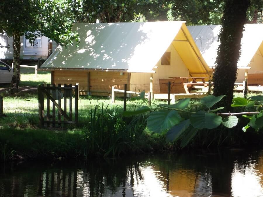 location familiale bungalow toilé