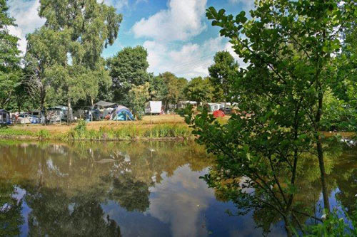 etang aux camping